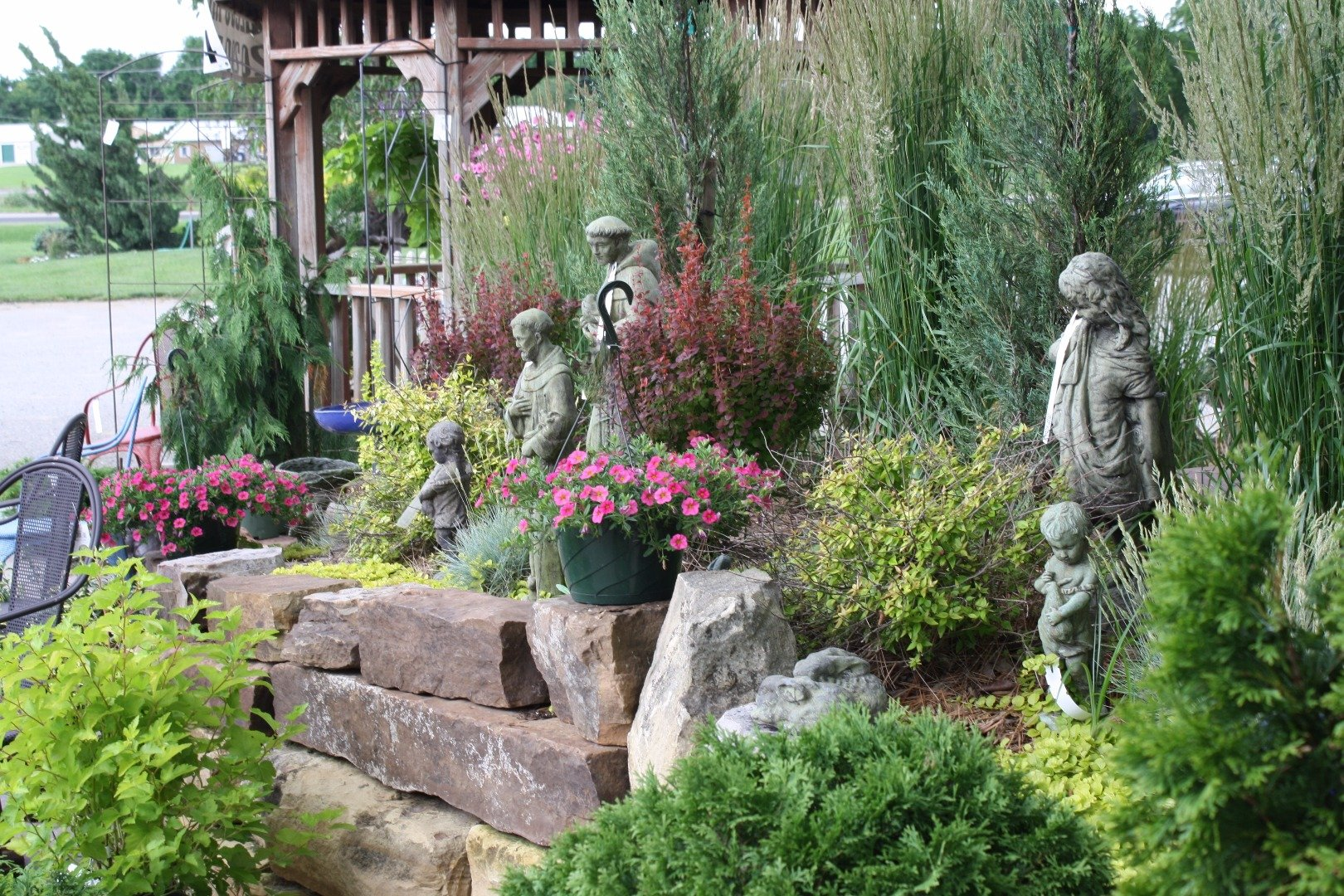Outdoor Living Gifts and Decor at Stone Creek Nursery